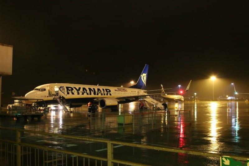 airplane-1143455_1920